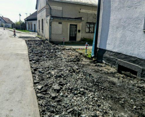 Výstavba chodníku